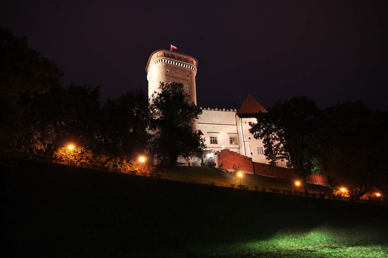 nocny rejsy po Wiśle w Krakowie